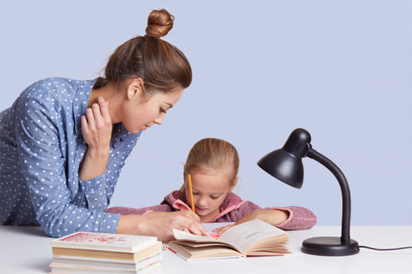 studiare-bambina-2