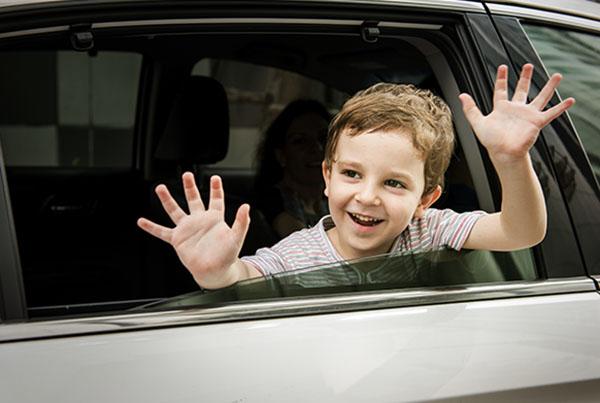 viaggiare-con-i-bambini-auto